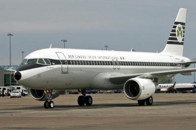 The Retro A320 taxies to Hangar 6 Ramp